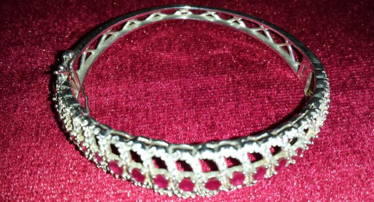 • سوار فضي مرصع Silver bracelet